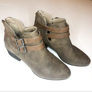 MADDEN GIRL Hun Buckle Ankle Boot Taupe Size 6.5